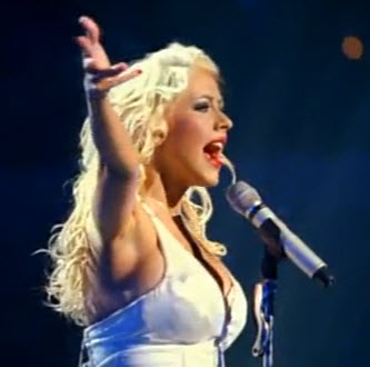 Why did back to basics of Christina Aguilera doesnt make commercial success?