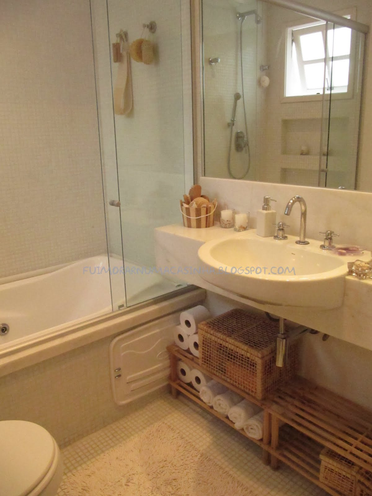 assim ao acabar o banho o banheiro não fica inteiro molhado #996F32 1200 1600