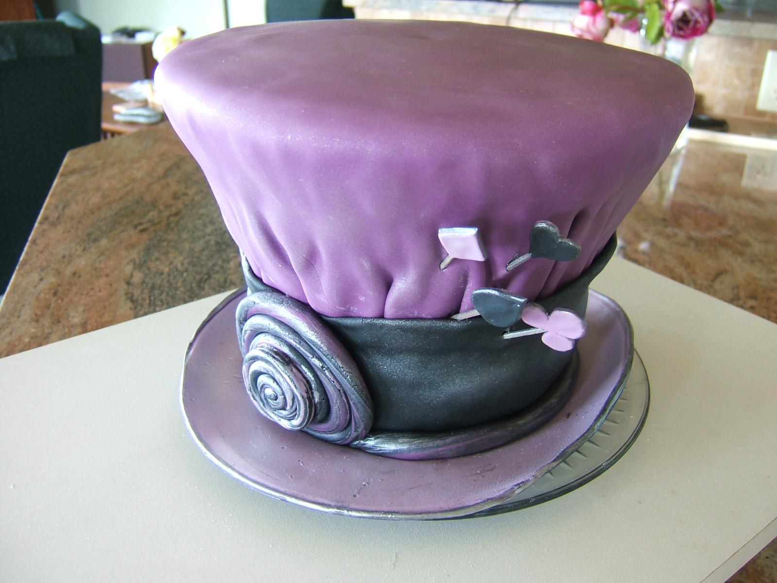 http://1.bp.blogspot.com/_1zkrOdGewIw/TB0qW4SWe-I/AAAAAAAAAe0/5BJSRoF5djk/s1600/Mad+Hatter+Hat+cake+015.jpg