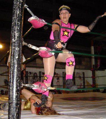 Poly Star - Golden Girl - lucha libre