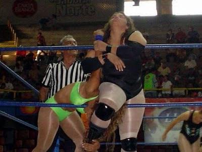 La Chacala - Diana La Cazadora - female wrestling - cmll