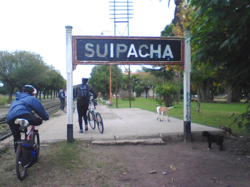 Resultado de imagen para foto estacion de suipacha