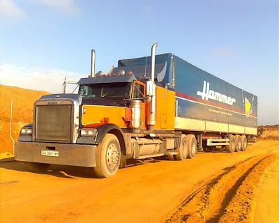 американский грузовик Freightliner FLD 120 Classic