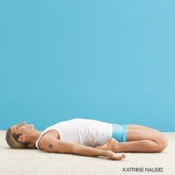 Йога асаны упражнения при сколиозе