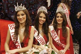 Türkiye Güzellik Kraliçesi Yarışması Miss Turkey Beauty Pageant.