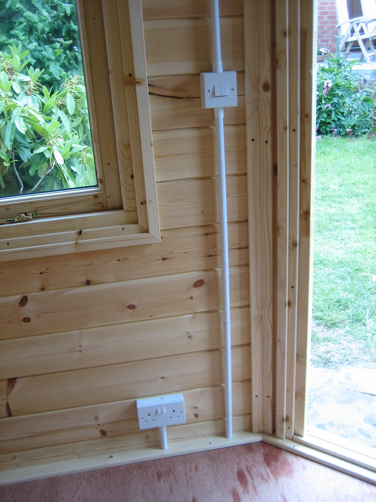 Small corner garden office new website for Corner garden office