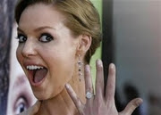 Katherine Heigl with engagement ring
