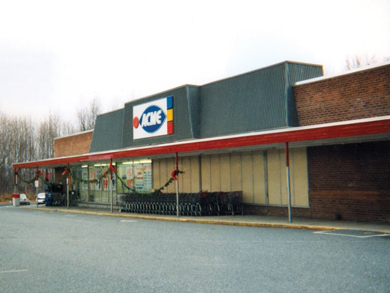 The Sparta Acme Was In Bad Shape During 70s It Sported Neon Lit Cursive Logo Across Awning By Mid Several Letters Had Fallen