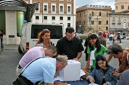 Piazza Duomo raccolta questionari