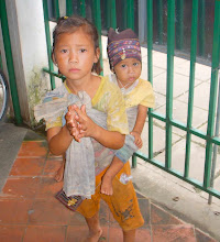 Many hungry children near the boarder of Myanmar and Thailand-click on photo