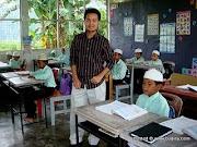 Picture Bersama anak2 Darul Mulkan di dlm kelas