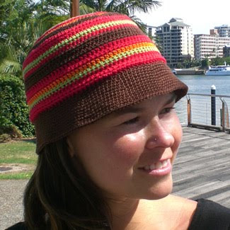 Crochet hat pattern, striped