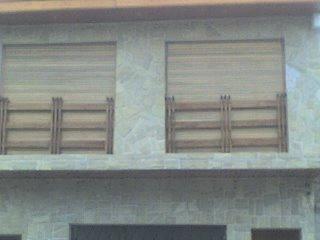 Corinas tipo común en cedro brasilero