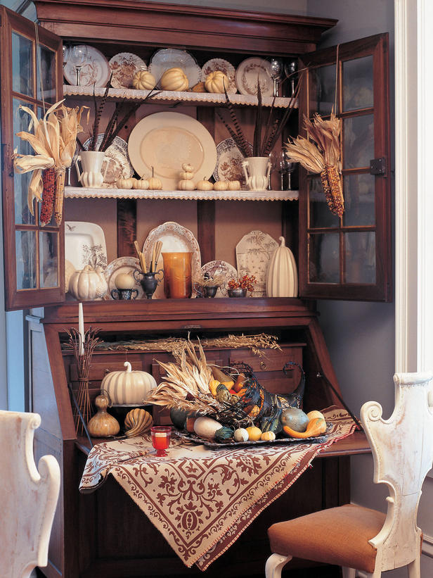 Decorating Ideas > Estelles Johnson Brothers, Transferware And Toile  ~ 075812_Thanksgiving Village Decorations