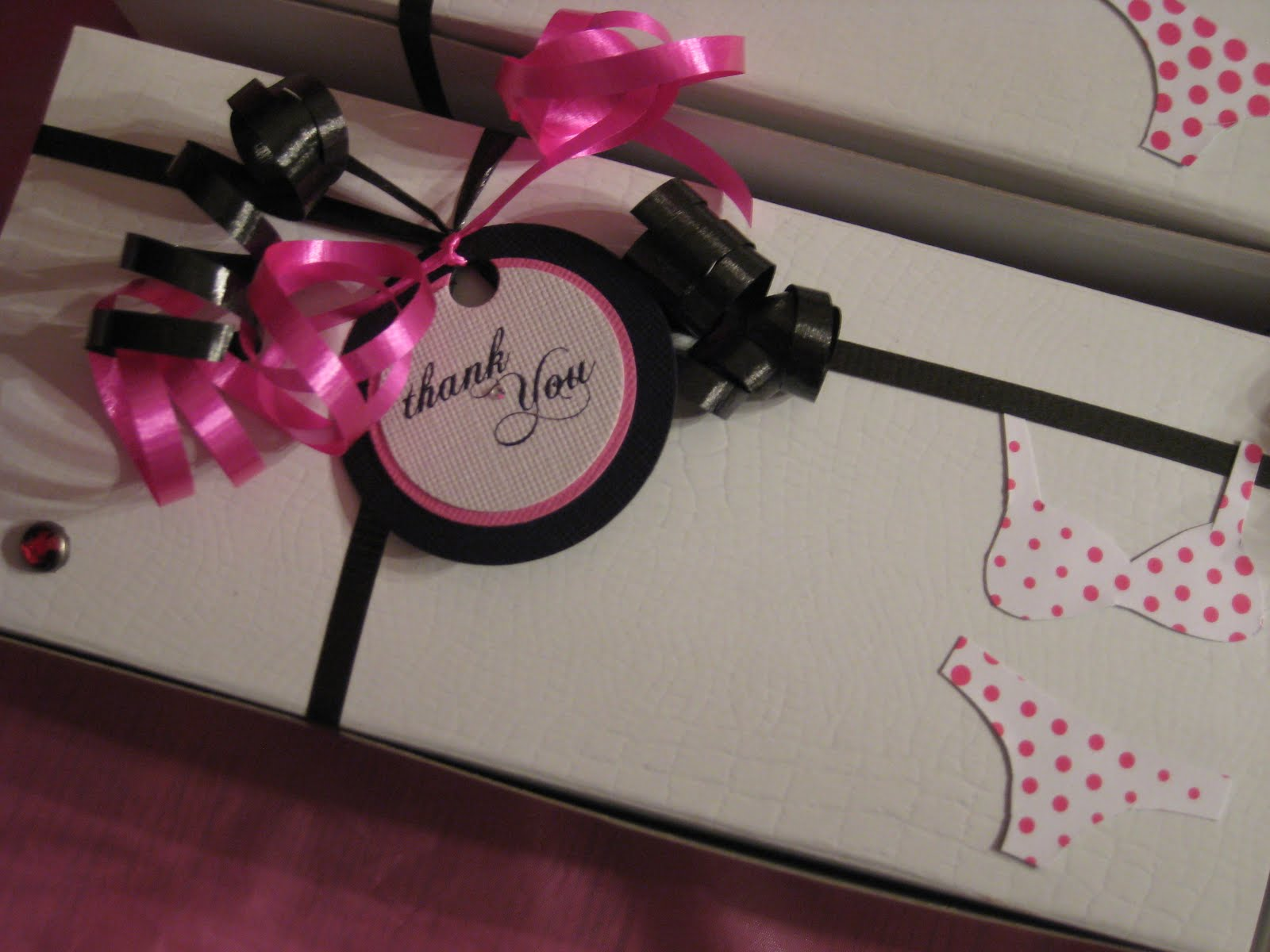 Bridal Show Gift Bag Ideas : Swanky Blog: Lingerie Shower - Awesome DIY Favor Idea