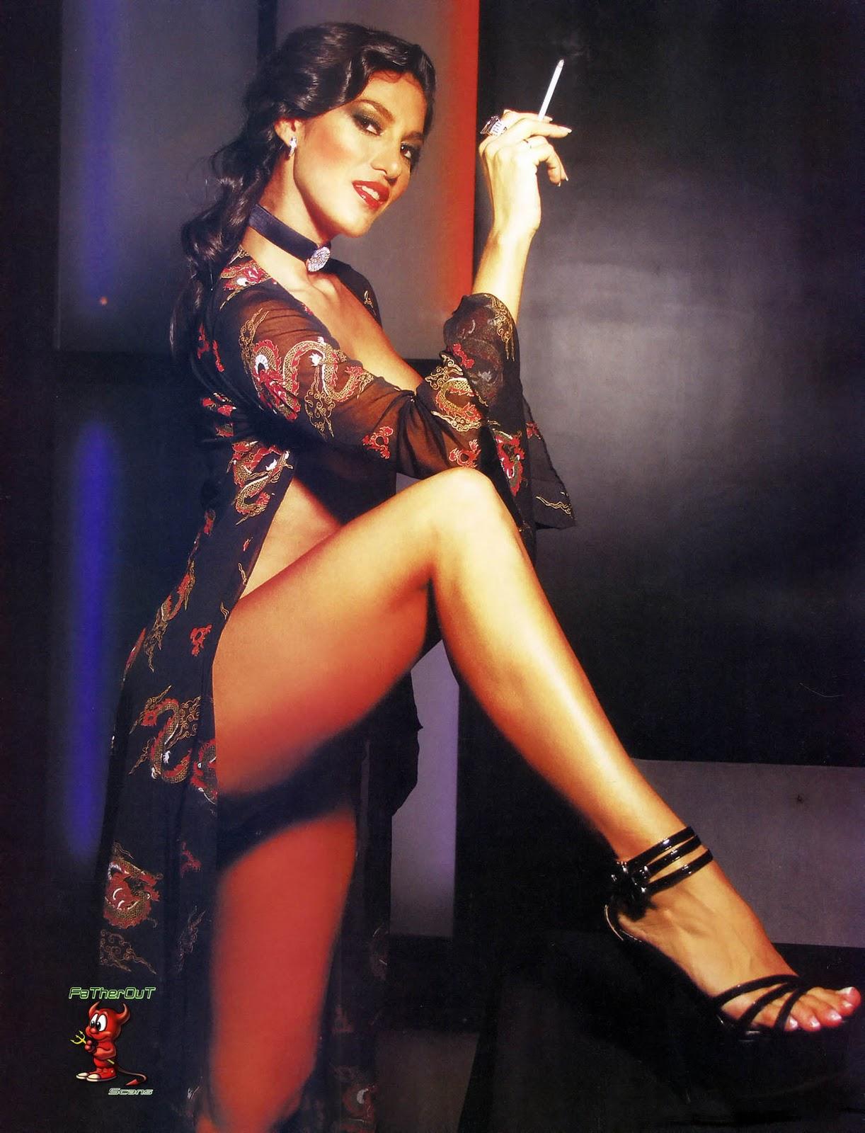 http://1.bp.blogspot.com/_2DrwKI9DpLs/TRqVZ98os3I/AAAAAAAAAr0/Xa9T8lN47Vg/s1600/88235_Silvina-Escudero-02K-Playboy-jun-2009_123_108lo.jpg