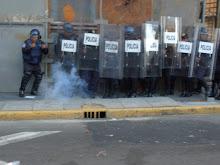 Policías en la marcha del 2 de octubre de 2009