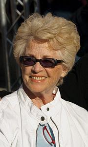 Montserrat Carulla i Ventura (Barcelona 1930). Medalla d'or de la Generalitat  l'any 2008.