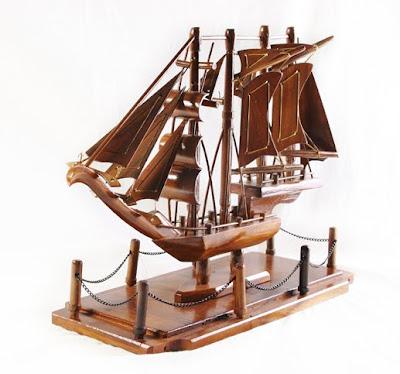 Handicraft Miniature Antique Vehicle, Wood Handicraft
