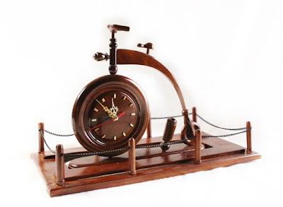 Antique wood Handicraft hours, handicraft