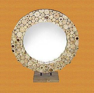 Beautiful Decorative Mirror of Natural Handicraft_001