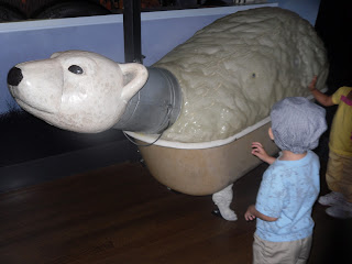 Teach kids about recycling while exploring Noah's Ark at the Skirball - FREE every Thursday