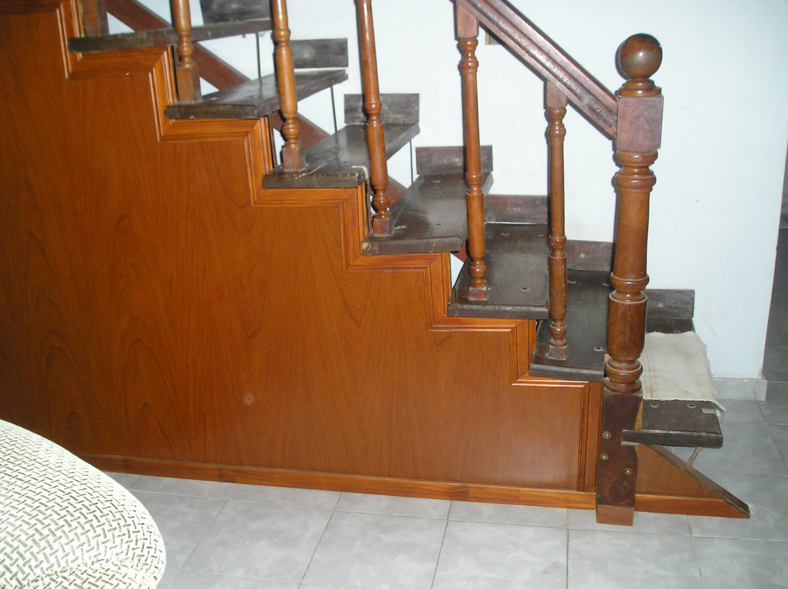 Mdf pro decoraci n bajo escalera - Decoracion bajo escalera ...