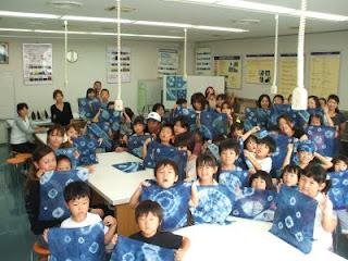藍染め体験の記念写真(1)