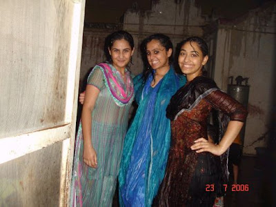 Three Desi Girls are Smiling after Bathing Showing Her White Bra