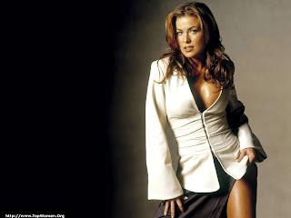 Carmen Electra Hot Pics