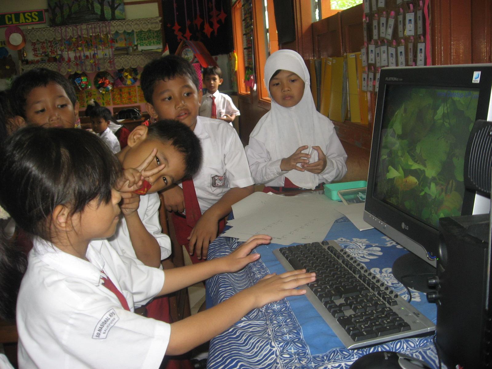 Mahfud cah ndueesoo teknologi dalam dunia pendidikan