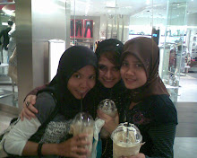 Hangout with friends at Midvalley