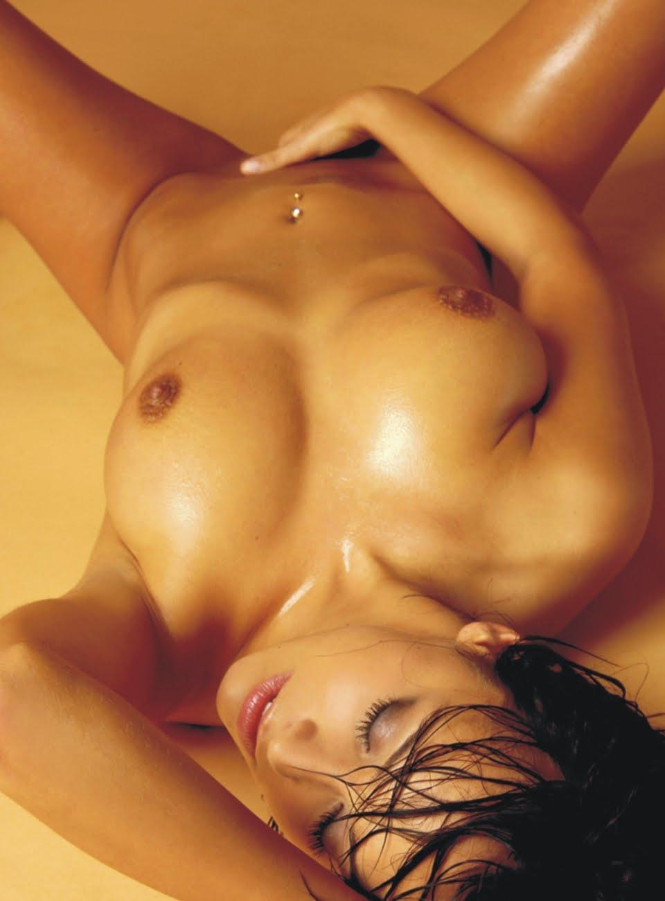 Смотреть дрожит тело при оргазме 14 фотография