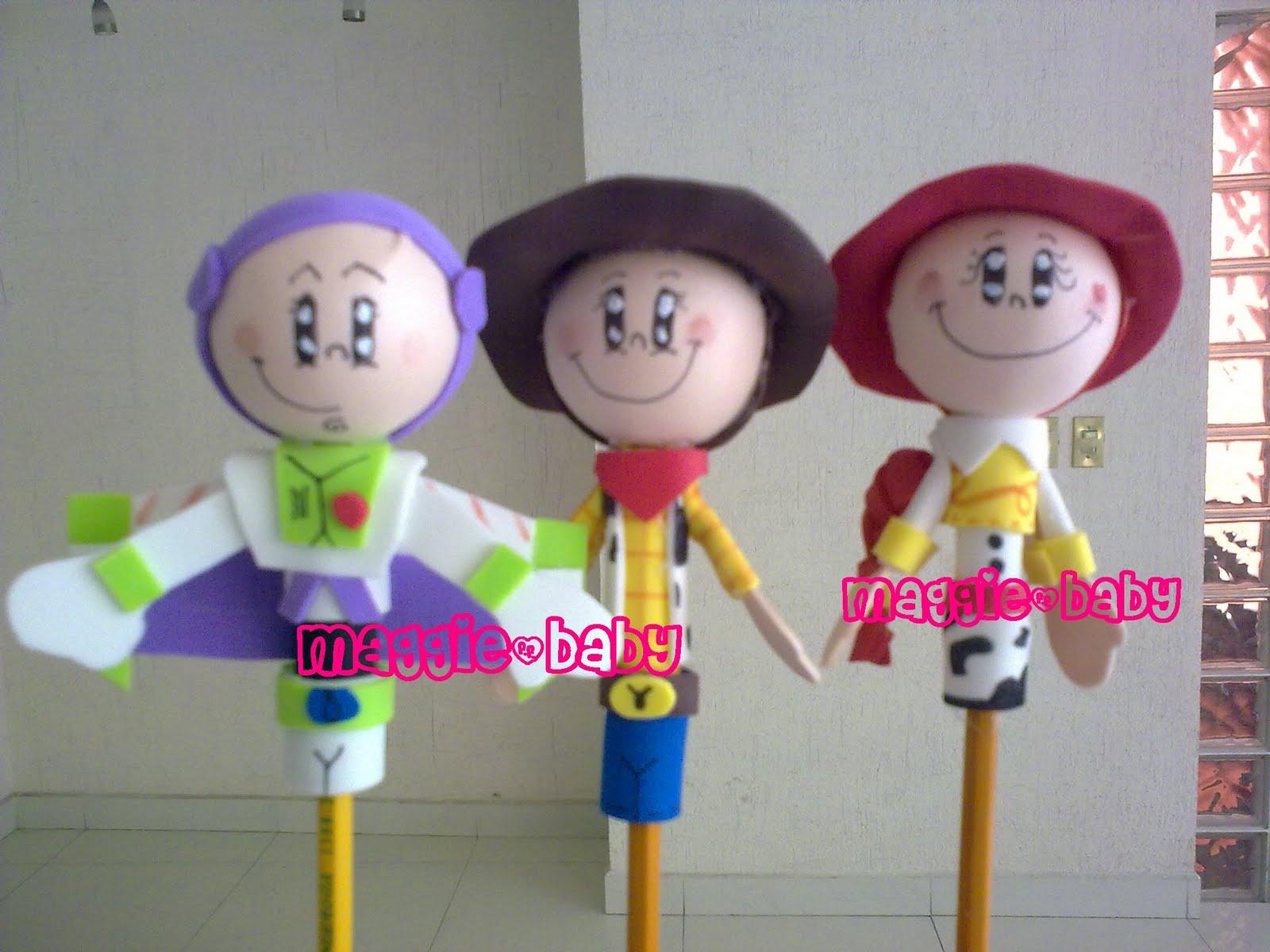 otros personajes de moda Buzz Lightyear, Woody y Jesse de Toy Story.