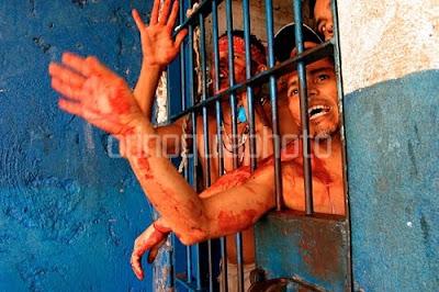 CHAVEZ T'AS PONCHAO: VENEZUELA A DIARIO - Página 5 Prisiones9