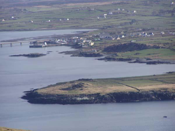 Eng vue vum Brayhead op Portmagee