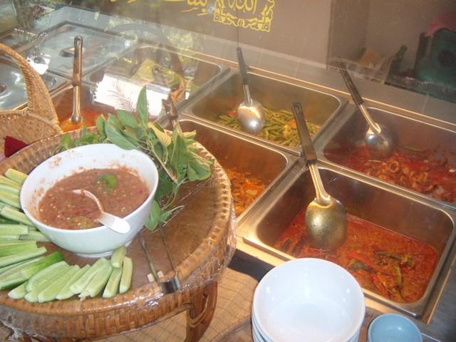 Cili padi restaurant bangkok mar 14 2011 for Ambiance cuisine nice