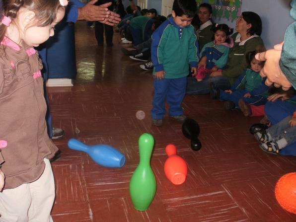 Jugando con palitroques sala cuna y jard n infantil san for Aprendiendo y jugando jardin infantil