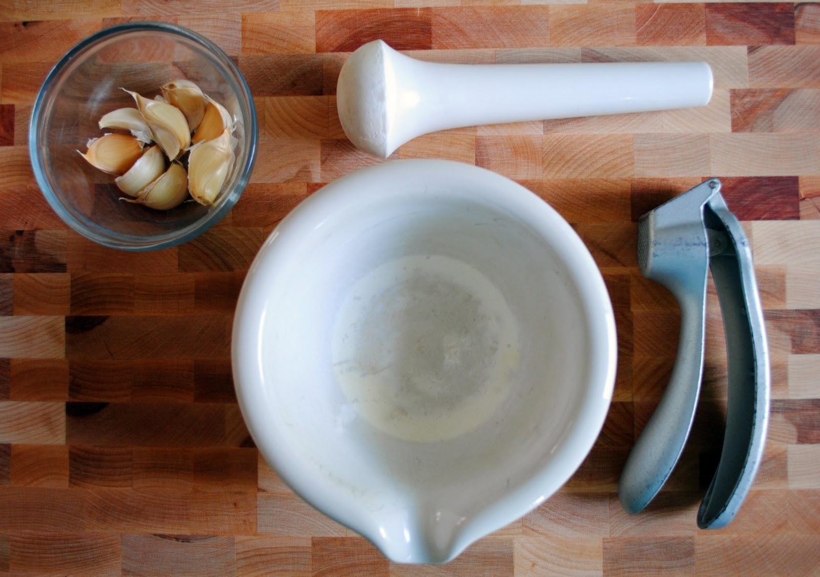 Как сделать чесночный соус как в кафе