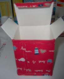 Caixa de cartão forrada com tecido