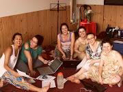 LA CASA DE LA CONFLUENCIA ,,,,LAS CHICAS DE BRASIL SE REUNEN Y SE RIEN ,,,, . chicas en la casa da confluencia