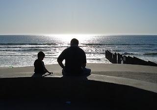 video divertido padre e hijo que crecio