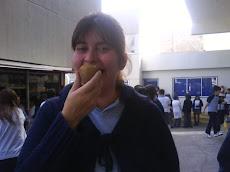 La profesora Cristina y su exquisita pera...