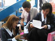 Alumnos de la Universidad de Tarapacá, también compartieron el Día del Abrazo.