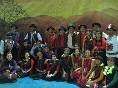 Profesores bailaron en Gimnasiada 2008