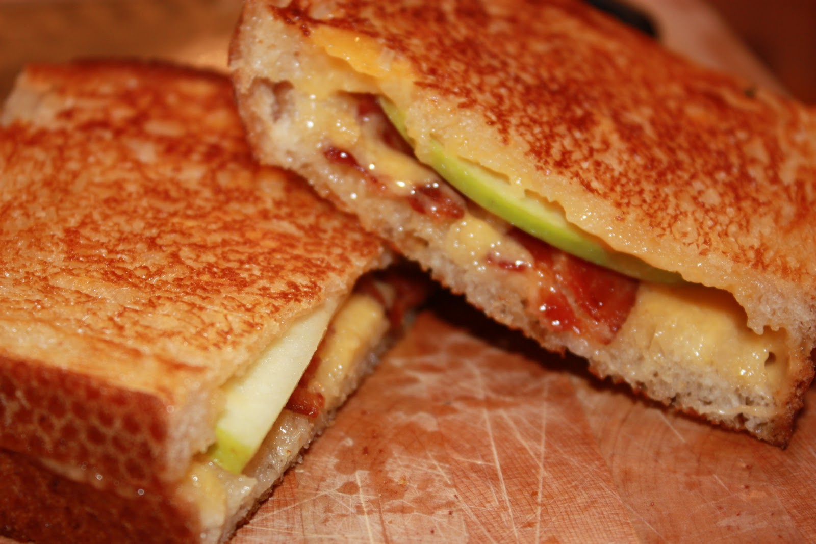 Hungry For More: Bacon, Apple and Cheddar Grilled Cheese Sandwiches