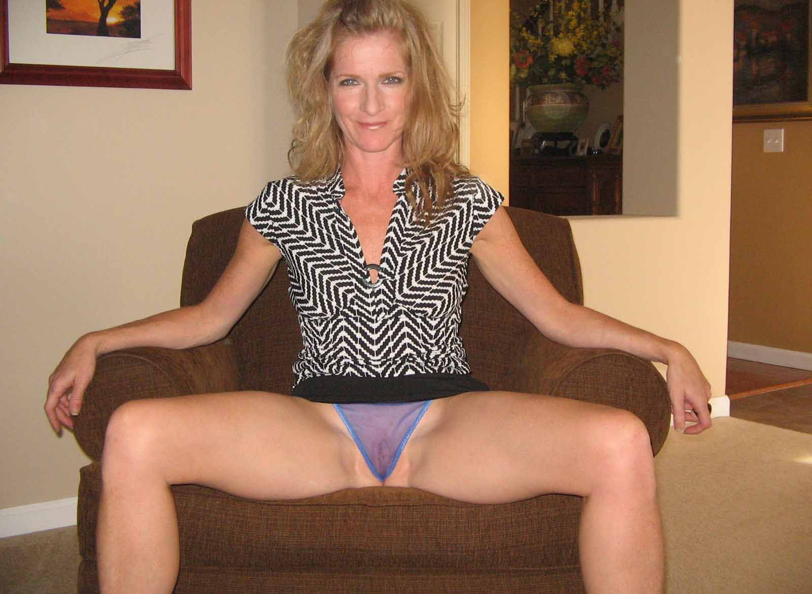 Amateur wife bucket nude