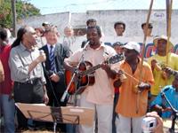 Tocando e cantando com o ministro Gil