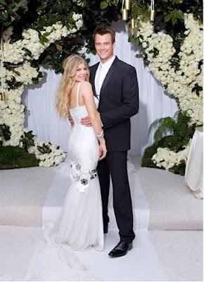 Celebrities Wedding Dress at 2009-Fergie Black Eyed Peas