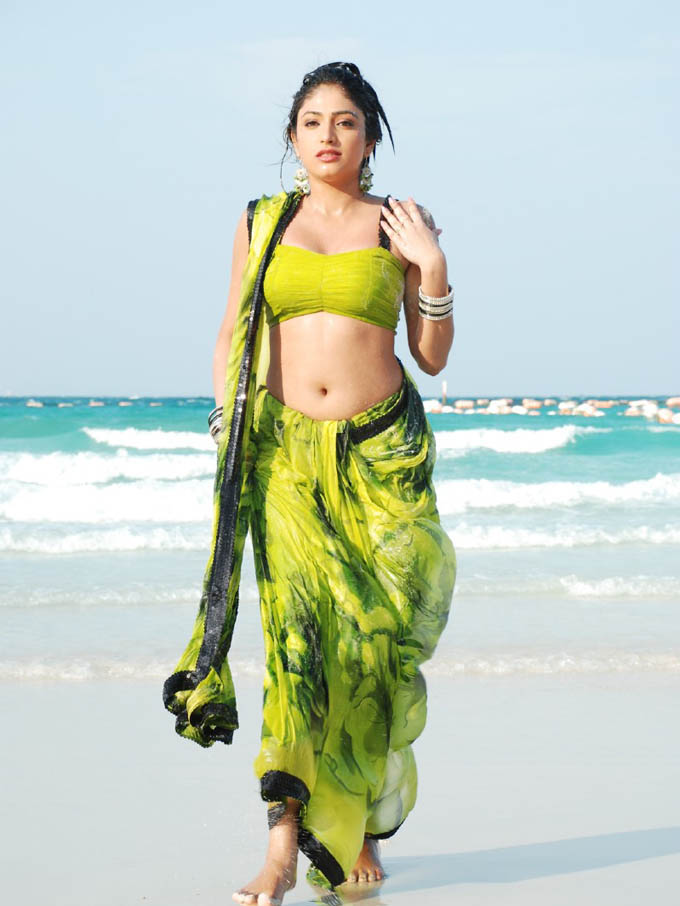 [Haripriya's+navel+and+hip.jpg]